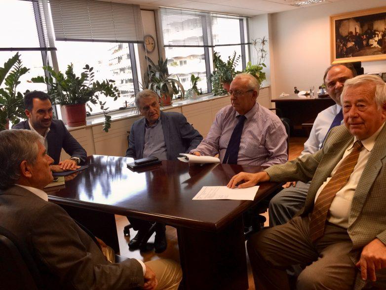 Συνάντηση υπουργού Εσωτερικών  με τον πρόεδρο του ΑΣΕΠ
