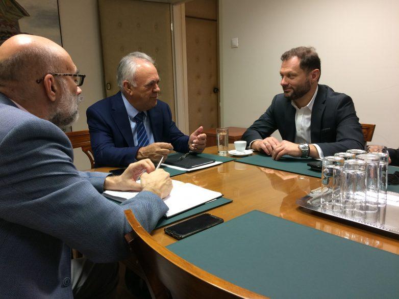 Συνάντηση αντιπροέδρου της Κυβέρνησης και υπουργού Οικονομίας και Ανάπτυξης με τον πρόεδρο της ONEX Group