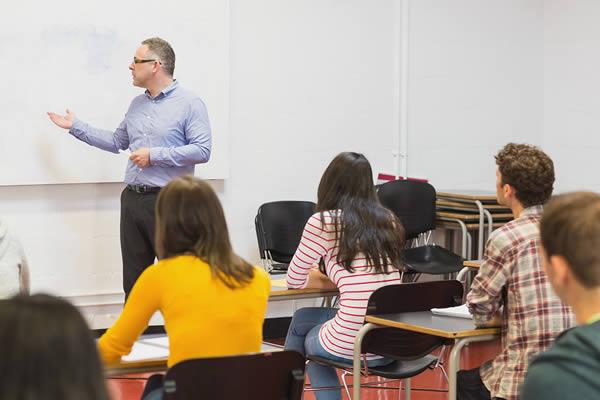 Καταγραφή εξοπλισμού, e-mail μαθητών αλλά  και προβλήματα