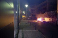 Φωτιά σε κάδο απορριμμάτων στο Βόλο
