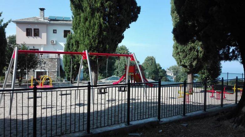 Παιδικές χαρές ασφαλίζει ο Δήμος Βόλου
