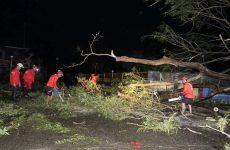 Φιλιππίνες: Τουλάχιστον 30 νεκροί από το πέρασμα του καταστροφικού τυφώνα Μανγκούτ