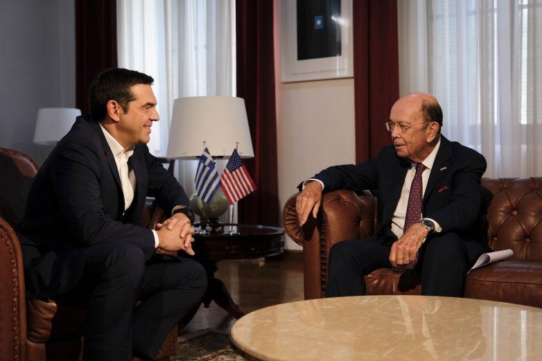Αμερικανός υπουργός Εμπορίου: Οι ΗΠΑ στηρίζουν την Ελλάδα και την οικονομία της
