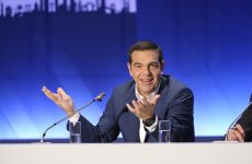Ορκίζεται  υπουργός Εξωτερικών ο Αλέξης Τσίπρας