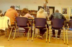 Aγώνας σκάκι σιμουλτανέ στο Ειδικό Αγροτικό Κατάστημα Κράτησης Νέων Κασσαβέτειας