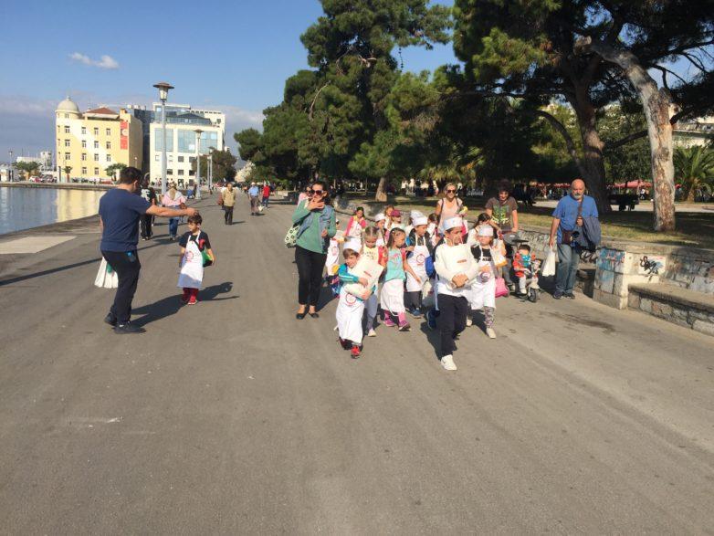 Μικροί αρτοποιοί στη Γιορτή Ψωμιού στο Βόλο