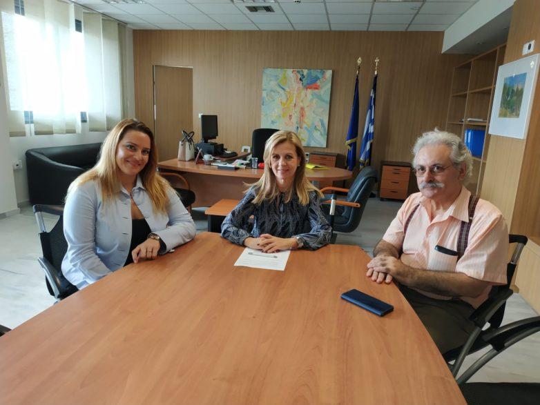 Συνάντηση υφυπουργού Παιδείας Μ. Τζούφη με την πρέσβειρα του ΕΕΚ
