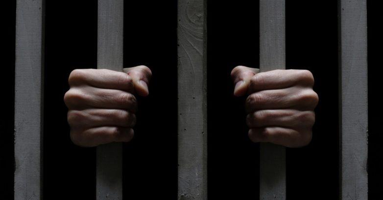 Στη φυλακή με ποινή πέντε ετών και δύο μηνών 31χρονος που επιτέθηκε σε αστυνομικούς