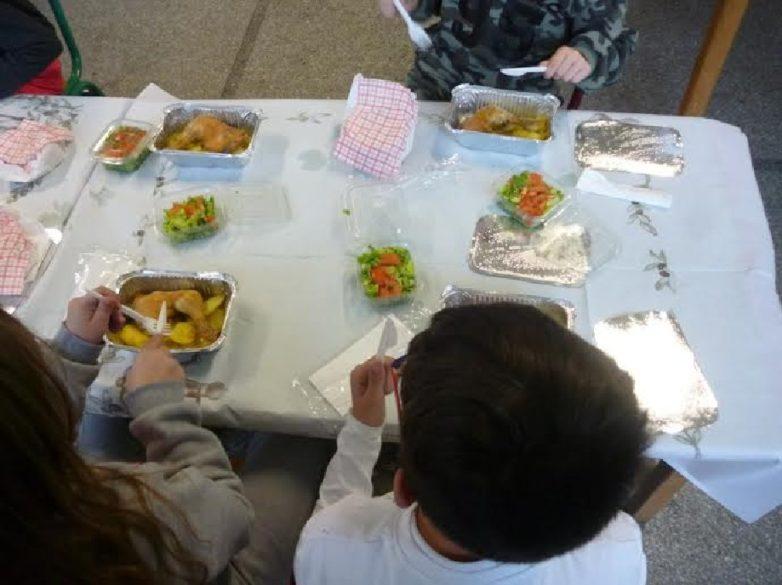 Αυξήθηκαν φέτος οι μαθητές στη Μαγνησία που θα σιτίζονται στο πλαίσιο των σχολικών γευμάτων