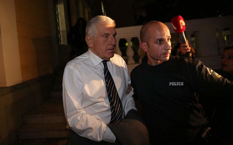 «Όχι» από την Ελβετία στο άνοιγμα των λογαριασμών του κουμπάρου του Γ. Παπαντωνίου