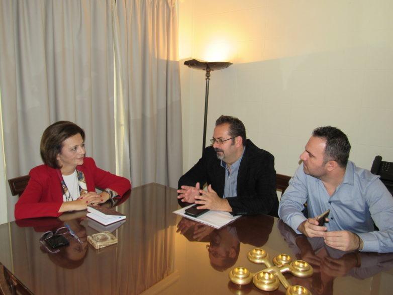 Συνάντηση υφυπουργού Εσωτερικών Μ. Χρυσοβελώνη με εκπροσώπους της Π.Ο. Σωματείων Εργαζομένων ΚΕΠ