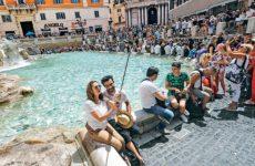 Η Αιώνια Πόλη βάζει κανόνες στον τουρισμό
