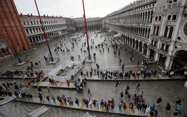 Ιταλία: Στους 17 οι νεκροί από την κακοκαιρία