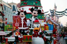 Φαντασμαγορική χριστουγεννιάτικη παρέλαση στην Disneyland (φωτογραφίες)