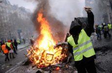 Γαλλία: 130 συλλήψεις στις κινητοποιήσεις των «κίτρινων γιλέκων»