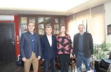 Συνάντηση περιφερειάρχη Θεσσαλίας με την πρόεδρο της ΠΟΕΣΥ  και τον πρόεδρο της ΕΣΗΕΘΣτΕΕ
