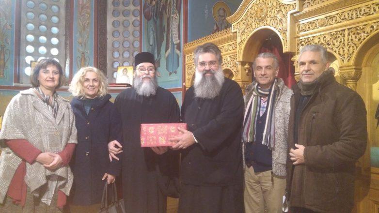 Σύγχρονος απινιδωτής δώρο του «Εσταυρωμένου» στον μητροπολιτικό Ι. Ν. Αγ. Νικολάου