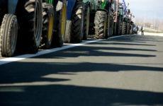 Μαγνησία: Συμβολικός αποκλεισμός για μία περίπου ώρα της Εθνικής από αγρότες