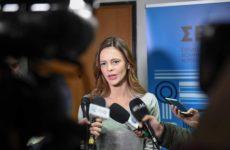 Ε. Αχτσιόγλου: Τον Ιανουάριο η απόφαση για την αύξηση του κατώτατου μισθού