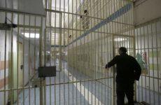 Μεταγωγή για τον 19χρονο μετά τον ξυλοδαρμό του στις φυλακές Αυλώνα