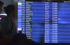 Χάος με χιλιάδες εγκλωβισμένους επιβάτες στο Γκάτγουϊκ