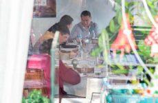 Ο Γκρουέφσκι σε πολυτελές εστιατόριο στη Βουδαπέστη