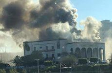 Τρεις νεκροί σε επίθεση αυτοκτονίας στο υπουργείο Εξωτερικών της Λιβύης