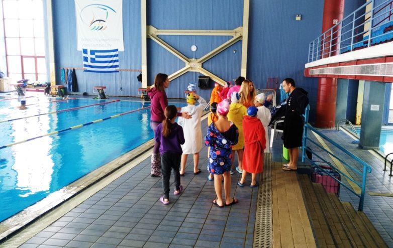 Δεν γνωρίζει κολύμπι το 50% των μαθητών Δημοτικού στο Βόλο
