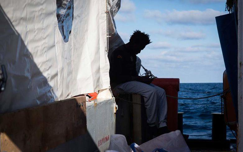 Για 6η μέρα πλέει στη Μεσόγειο το πλοίο της Sea Watch με 32 μετανάστες επιβαίνοντες