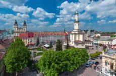 Η ΕΕ εγκρίνει εκταμίευση 500 εκατ. ευρώ για μακροοικονομική χρηματοδοτική συνδρομή στην Ουκρανία