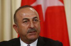 Τσαβούσογλου: Η Τουρκία θα ανταποδώσει αν οι ΗΠΑ επιβάλουν κυρώσεις για την αγορά των ρωσικών S-400