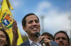 Βενεζουέλα: Eν ενεργεία στρατηγός αναγνωρίζει τον Γκουαϊδό και καλεί στρατιωτικούς να λιποτακτήσουν