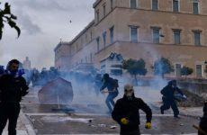 Επεισόδια και χημικά στο συλλαλητήριο για το Σκοπιανό