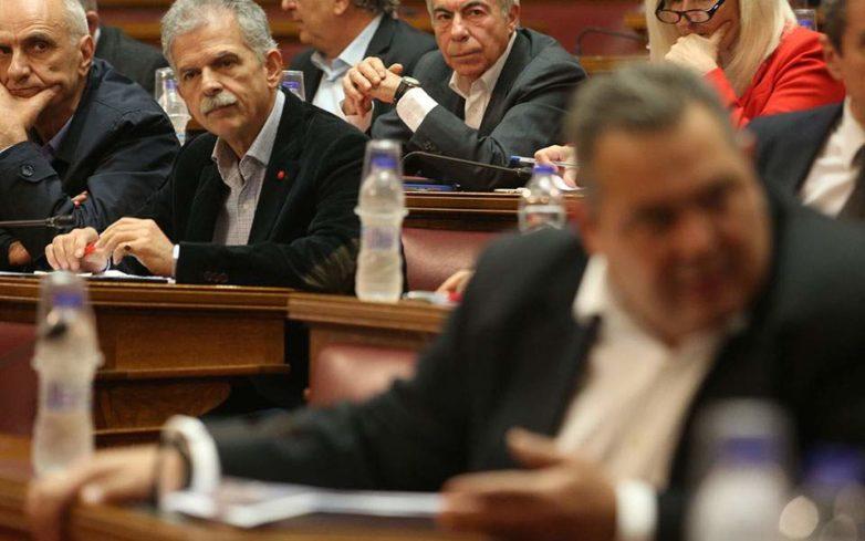 Βουλή: Σε εκρηκτικό κλίμα η συζήτηση για τις Πρέσπες