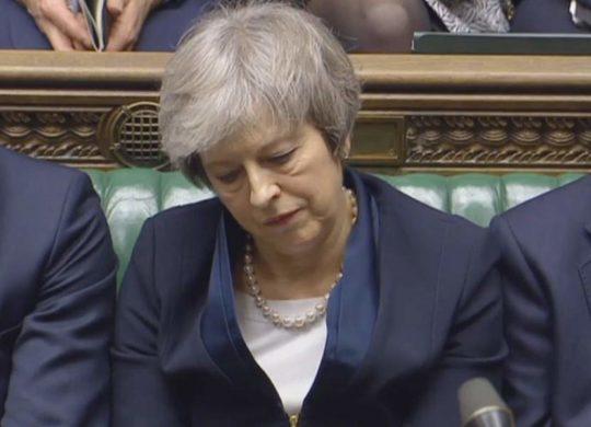 Καταψηφίστηκε η συμφωνία της Μέι για το Brexit