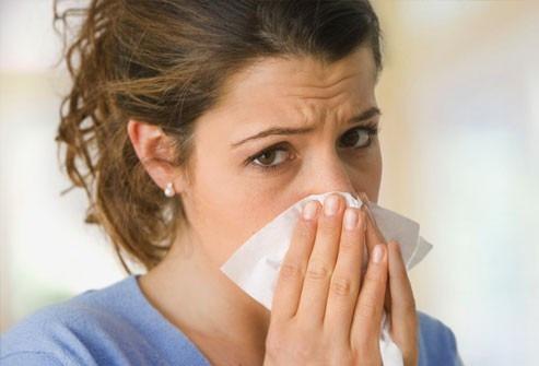 Κοινά συμπτώματα κορωναϊού και αλλεργικής ρινίτιδας