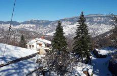 Στους 40 πόντους το ύψος του χιονιού στα ορεινά των Τρικάλων