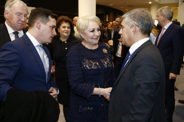 Τετ α τετ με την πρωθυπουργό της Ρουμανίας και τον Επίτροπο Εκπαίδευσης και Νεολαίας της ΕΕ ο Κώστας Αγοραστός
