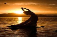 «Τo ωκεάνιο συναίσθημα»: Η μικρότητα και η μεγαλοσύνη του ανθρώπου