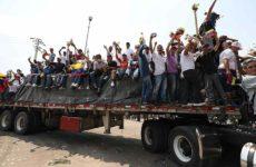 Γκουαϊδό: Πέρασε στη Βενεζουέλα το πρώτο φορτίο ανθρωπιστικής βοήθειας