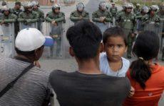 Δύο νεκροί και 15 τραυματίες από πυρά του στρατού της Βενεζουέλας