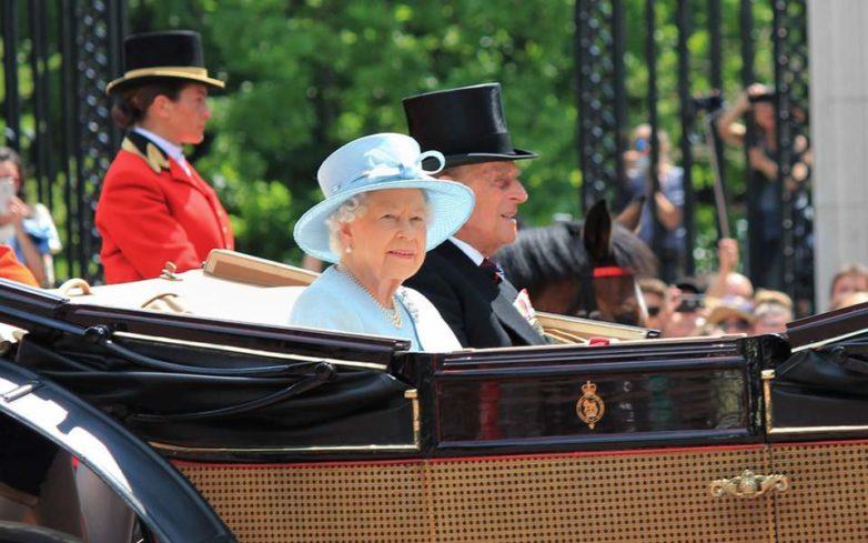Σχέδια έκτακτης ανάγκης για τη μετεγκατάσταση της βασιλικής οικογένειας