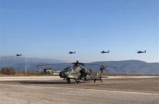 Αμερικανοί στρατιώτες στηρίζουν τον «Εσταυρωμένο»
