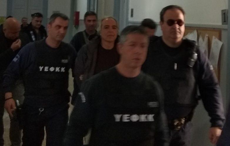 Ανέστειλε την απεργία πείνας ο Δημήτρης Κουφοντίνας