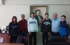 Συνέντευξη δημάρχου Ρήγα Φεραίου σε μαθητές του Γυμνασίου Αγριάς