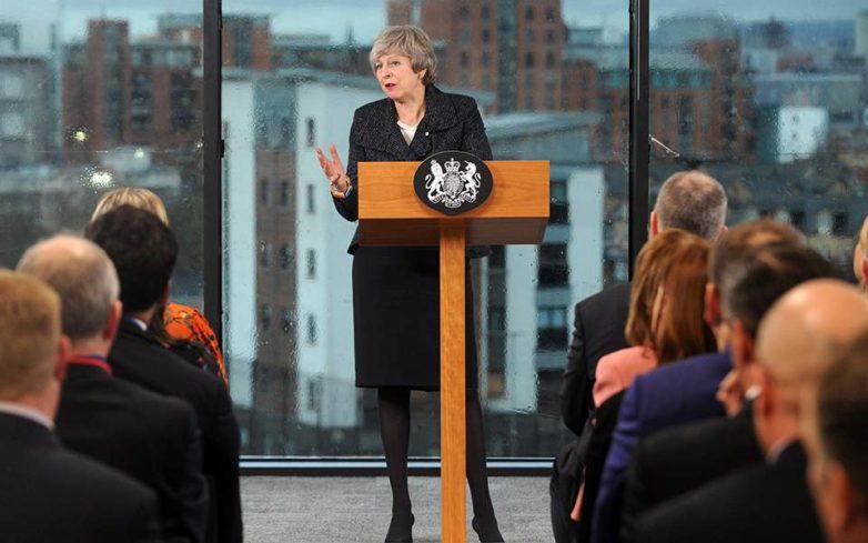 Πυρ και μανία με τους ηγέτες του Brexit ο Τουσκ