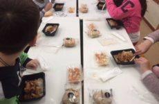 """Τα """"Σχολικά Γεύματα"""" σε 104 σχολικές μονάδες όλης της χώρας"""