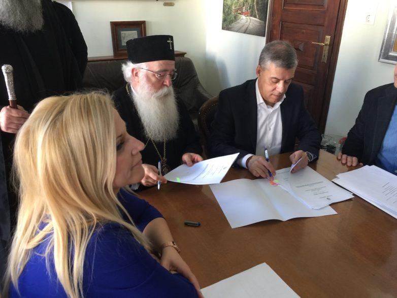 Παρεμβάσεις για τη στήριξη και στεγανοποίηση της στέγης του Μητροπολιτικού ναού του Αγίου Νικολάου