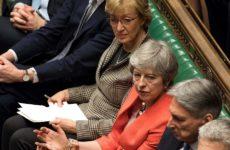 «Όχι» σε Brexit χωρίς συμφωνία είπαν οι βουλευτές