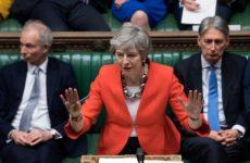 Απερρίφθη η πρόταση Μέι για το Brexit